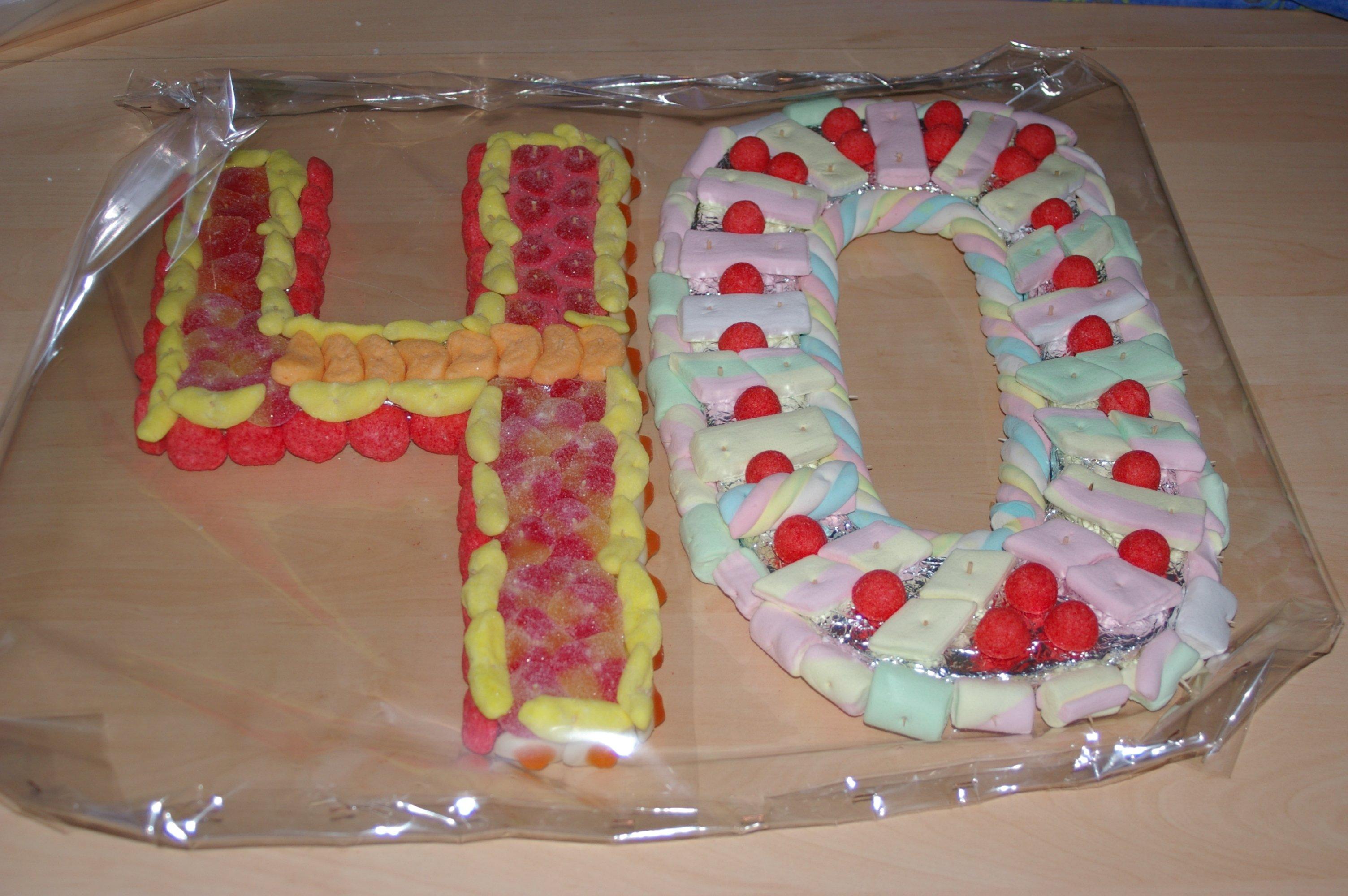 g teaux de bonbons de virginie archives du blog chiffre d anniversaire en bonbons 12 un. Black Bedroom Furniture Sets. Home Design Ideas