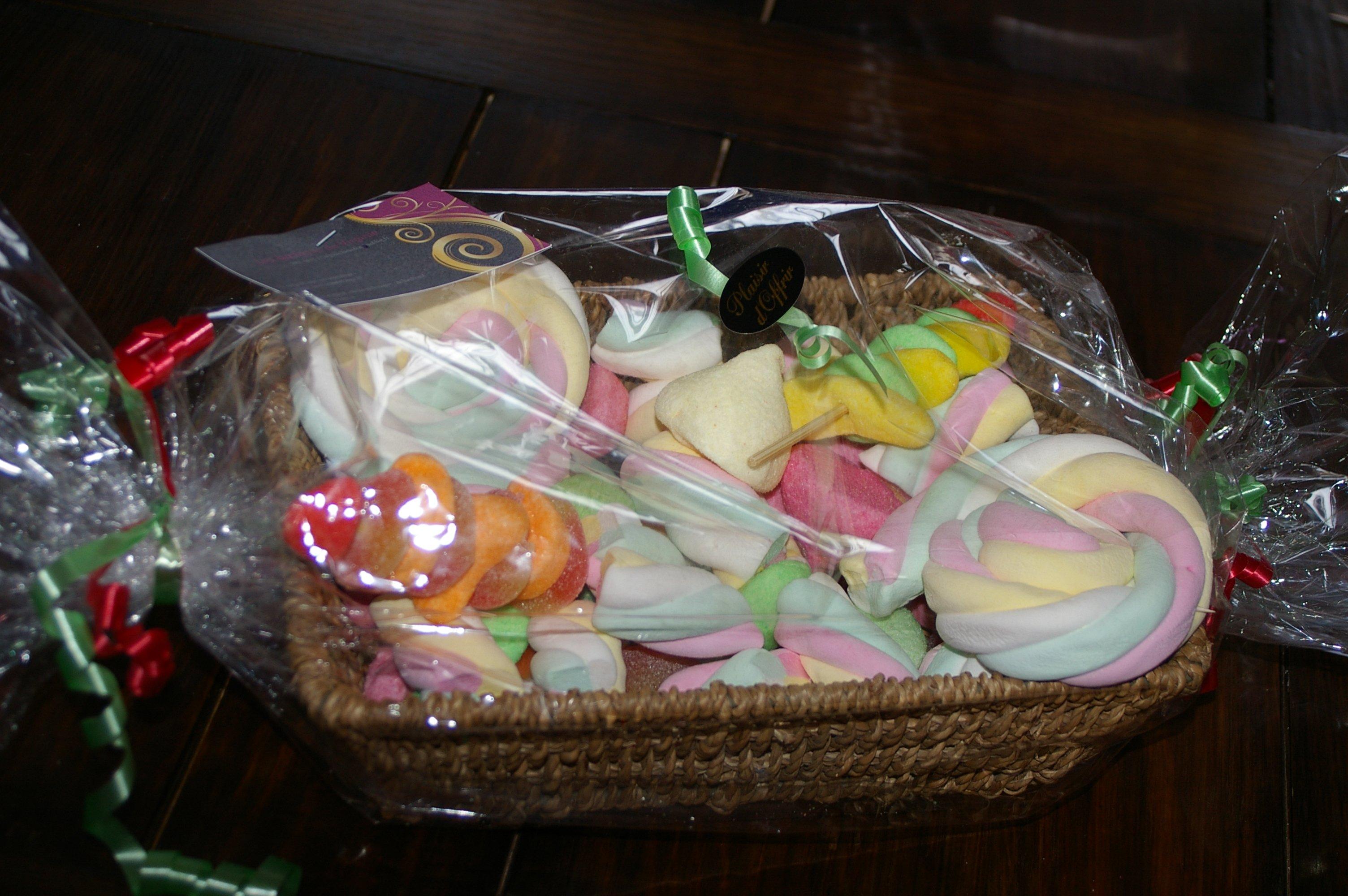 Panier Cadeau Bonbon : G?teaux de bonbons virginie